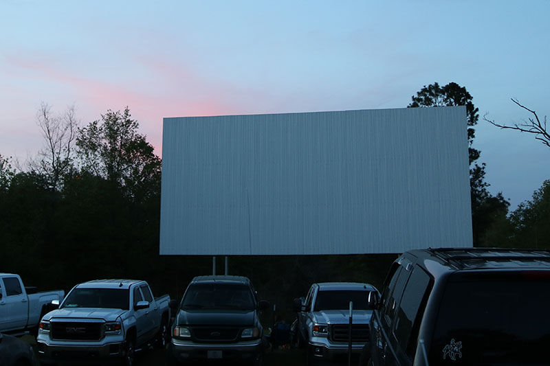 drive-in movie theater locations